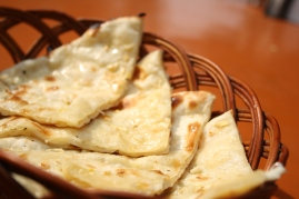 Butter Garlic Cheese Naan